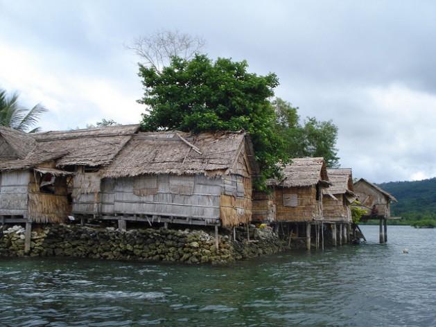 جزيرة راولو في جزر سليمان هي واحدة من العديد من الجزر المهددة بارتفاع مستوى سطح البحر.-Credit: Catherine Wilson/IPS